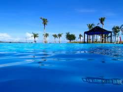 ハゲの上司の一存で沖縄への社員旅行なのに海水浴が無くなったンゴww