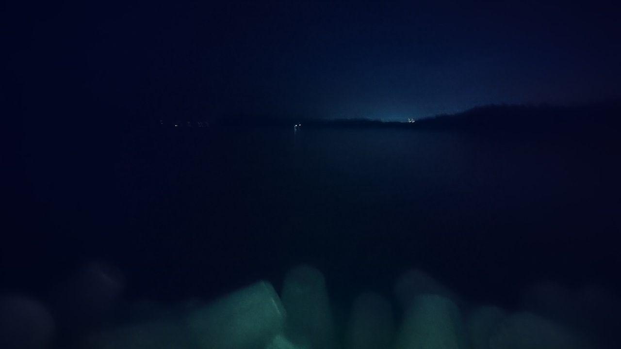【ちょっと怖い】今真夜中の海に来てるんだけどさ(※画像あり)