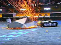 電撃アタックvs荒ぶるハンマー。ロボット同士の殺し合いがめちゃめちゃ熱い。
