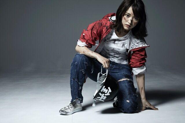 欅坂46菅井友香の胸揉まれ画像にファン悲鳴!お嬢様なのに主演舞台「飛龍伝2020」で味方良介に背後から抱かれる写真が物議!