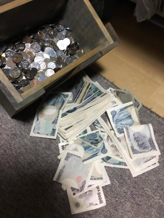 【画像あり】ワイが一年間で貯めたヘソクリの総額がこちらwwwwwwwww