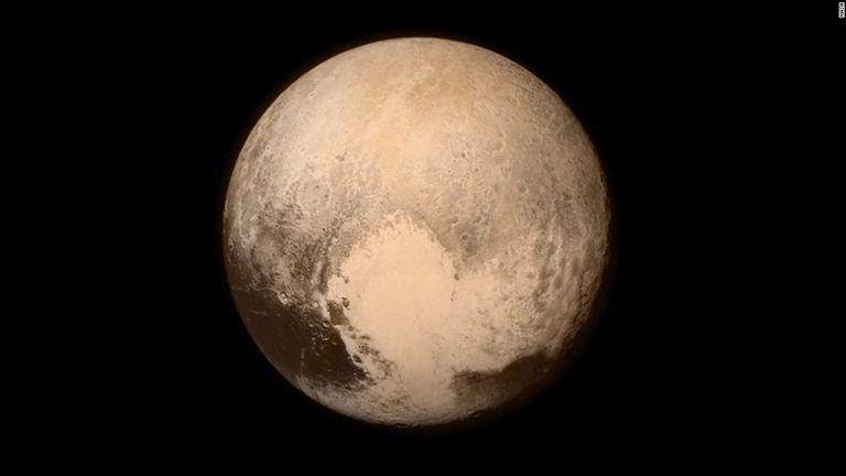 準惑星に区分変更された冥王星、やっぱり惑星だった 研究者が「格下げ」に異議