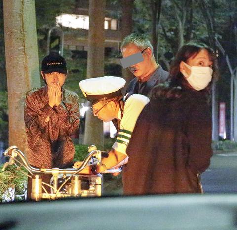【FRIDAY】戸田恵梨香&成田凌「ドライブデート中に本誌ハリコミ車に接触事故!」(画像あり)