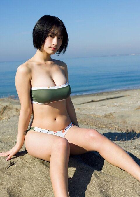 究極の美貌&美巨乳ハイブリッド美女・澄田綾乃、「週プレ」で圧巻美バスト披露