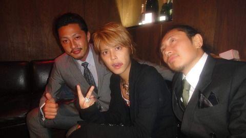 手越祐也さん・・福岡7.5億円金塊強奪事件逮捕の小松崎太郎容疑者との親密写真流出した結果・・・現在が・・