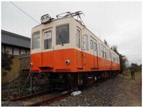 本物の電車が1万円でヤフオクに出品中!