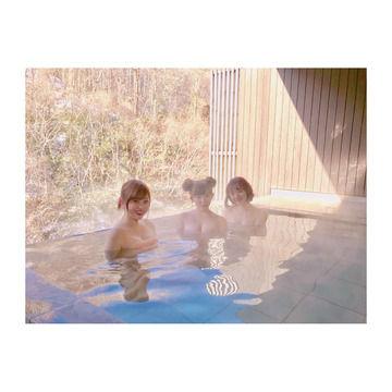 菊地亜美さん、アレが出た温泉写真をアップしてしまう