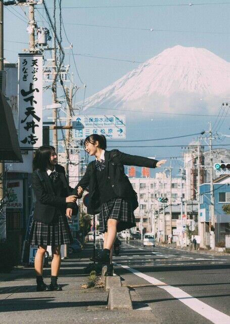 """【静岡県】「日本一映える女子高生」が最高にエモい、静岡の""""田舎""""撮り続けるカメラマンの思い「地域の活性化につなげたい」"""