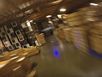 倉庫でドローンレースやってみた。これがなかなかのスピード感で面白そうじゃないか。