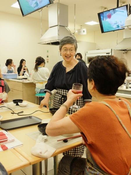 山際先生の料理教室が開催されました。