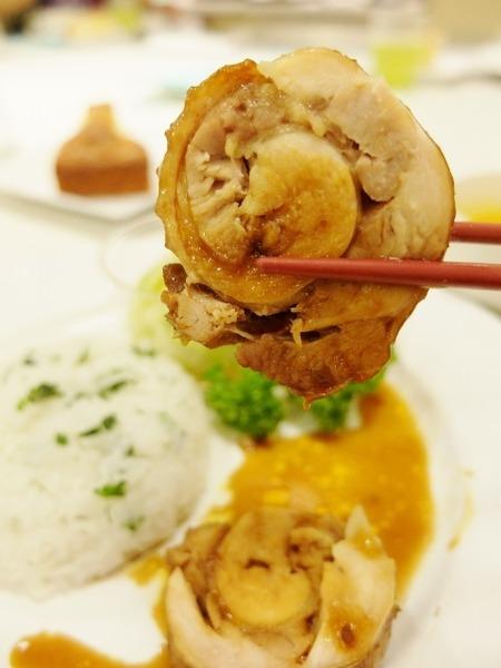 博多阪急で「はかた地どり料理教室」が開催されました。