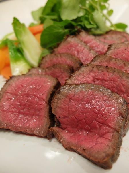 博多阪急で博多和牛料理教室が開催されました。