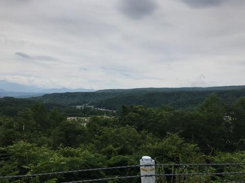 県道480号を松原湖方面へ向かって再度標高を稼いでいく
