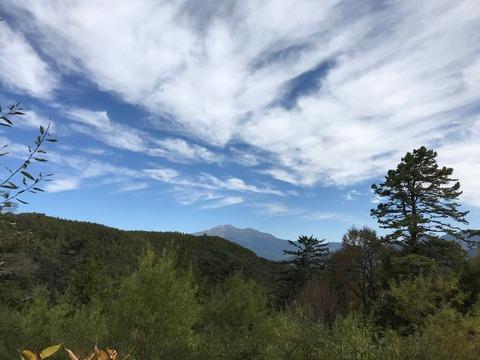 御嶽山に向かってぐんぐん登る