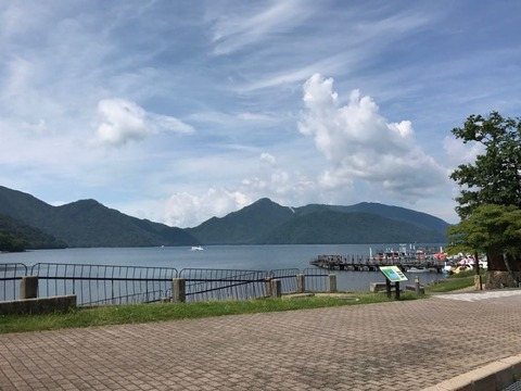中禅寺湖はカラッと晴れ!