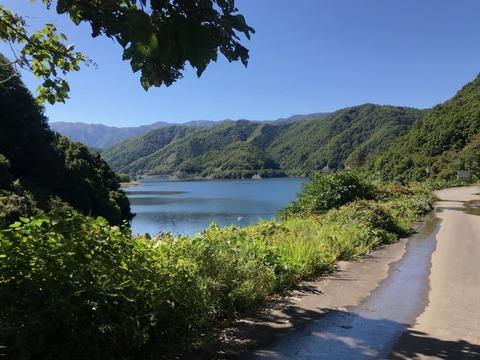 下小鳥ダム湖