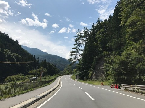 遠山の南側はトンネルも開通してすっかり走りやすくなっていた