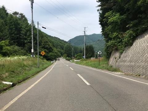 北相木村の中心部を超えたら、県道2号にチェンジ