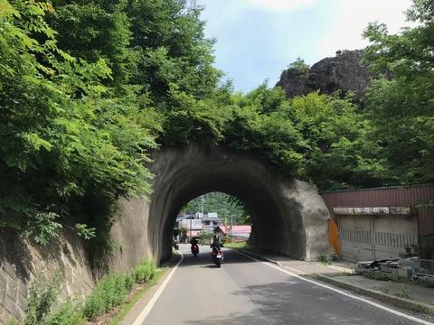 小海の面白いトンネル