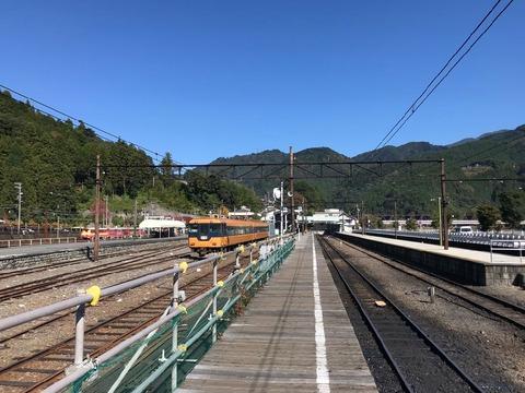 千頭駅は大井川鐵道本線と井川線の結節点
