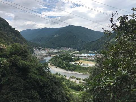 中部天龍の市街を見下ろす丘