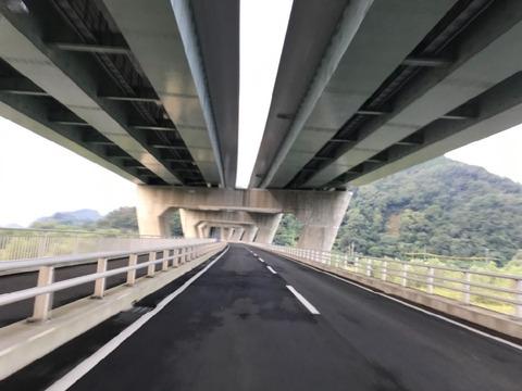 新静岡ICで高速を降りて給油