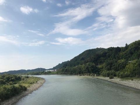 天竜川をまたぐ塩見橋からの一枚