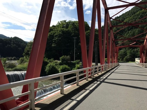 三峰川橋の旧主塔が格好いい