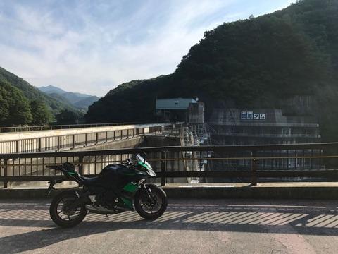 県道62号は薗原ダムに行き着く