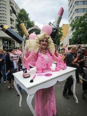 drag-queen-2627498_1280
