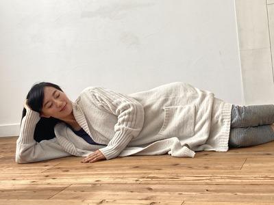 「寝ながら頭皮マッサージ」イメージ