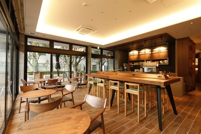 「33 CAFE GREEN」店内�