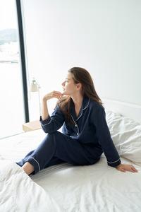モデル パジャマ着用画像