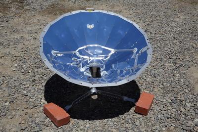 パラボラ型ソーラークッカー
