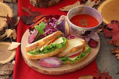 <アナ>欲張りサンドウィッチ&トマトスーププレート