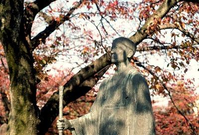松尾芭蕉像/奥の細道むすびの地_-_panoramio