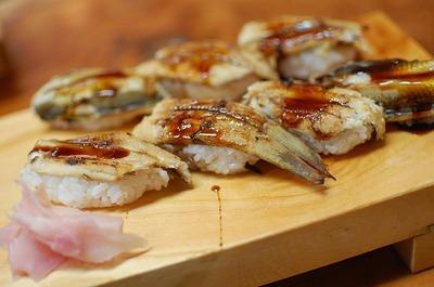 800px-穴子寿司