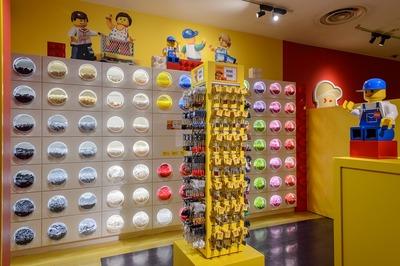Pick A Brick 店内