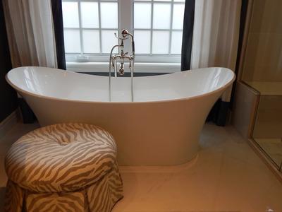 bathtub-902362_1920