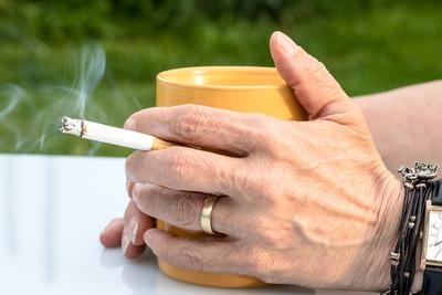 cigarette-2367456_1920