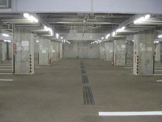 メルパルク東京 地下駐車場