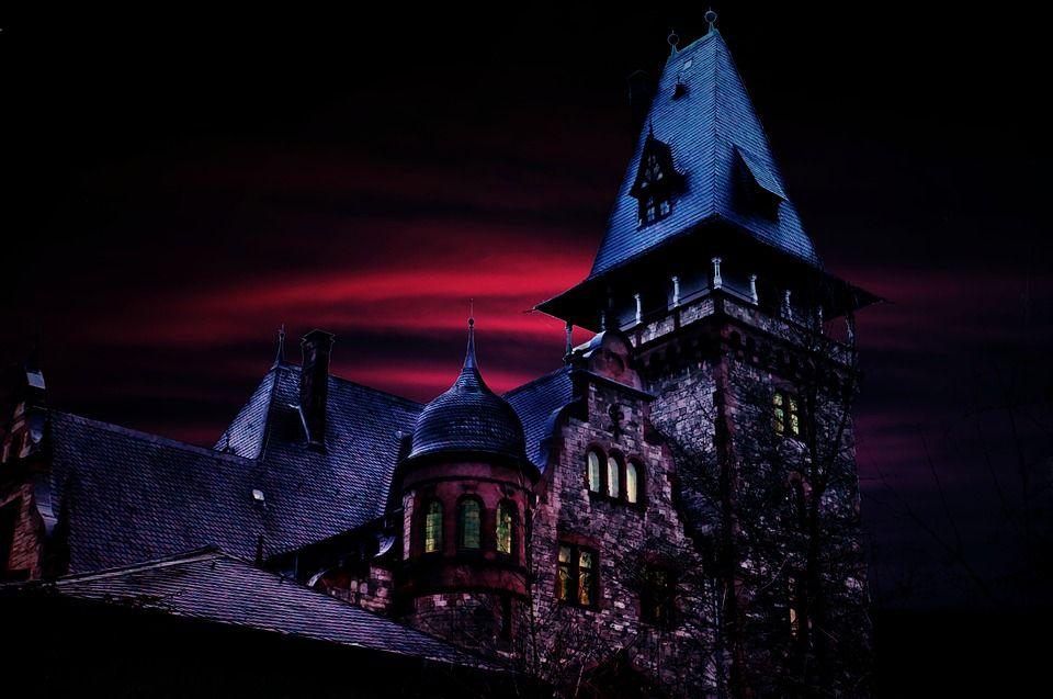 【地獄の家】おすすめホラー小説!幽霊屋敷編【シャイニング】