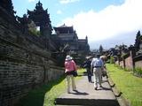 ブサキ寺院�