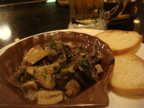 喜楽亭 エスカルゴとキノコのガーリックバター