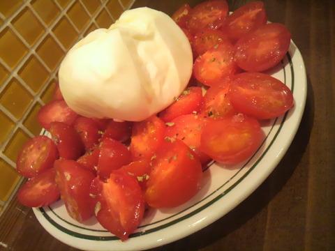 メッシタ ブラータチーズw/ミニトマト
