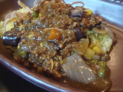 ビストロ喜楽亭 挽肉野菜カレー