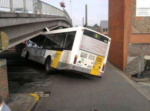 crashes-happen-15