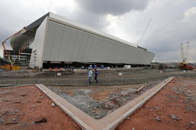 sao-paulo-world-cup-stadium-unfinished-4