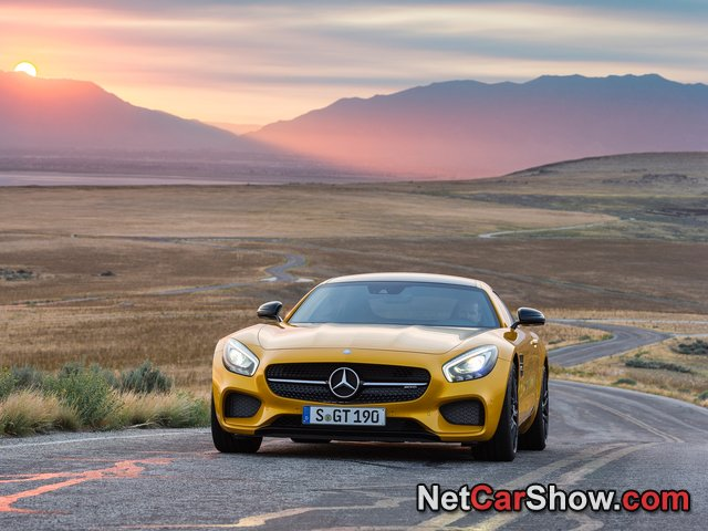Mercedes-Benz-AMG_GT_2016_photo_4b