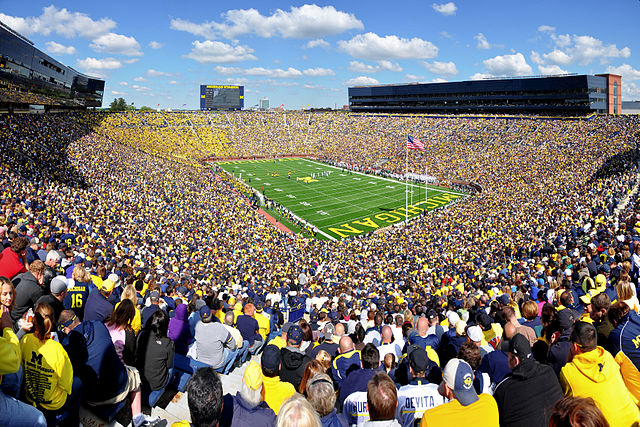 640px-Michigan_Stadium_2011